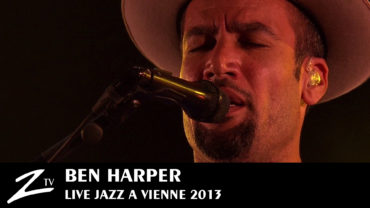 Ben Harper & Charlie Musselwhite – In i'm out and i'm gone – Jazz à Vienne 2013